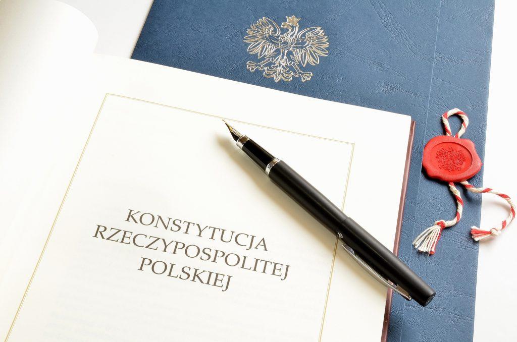 Stosowanie skargi pauliańskiej do ochrony należności publicznoprawnych jest zgodne z konstytucją